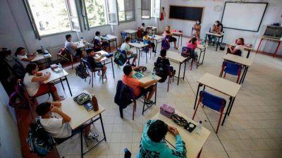 Córdoba: gimnasia en el aula para combatir el frío