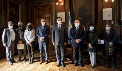 La UNLP selló un acuerdo con el embajador de Japón