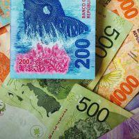 Inflación: por qué el ancla cambiaria no alcanza para que dejen de aumentar los precios