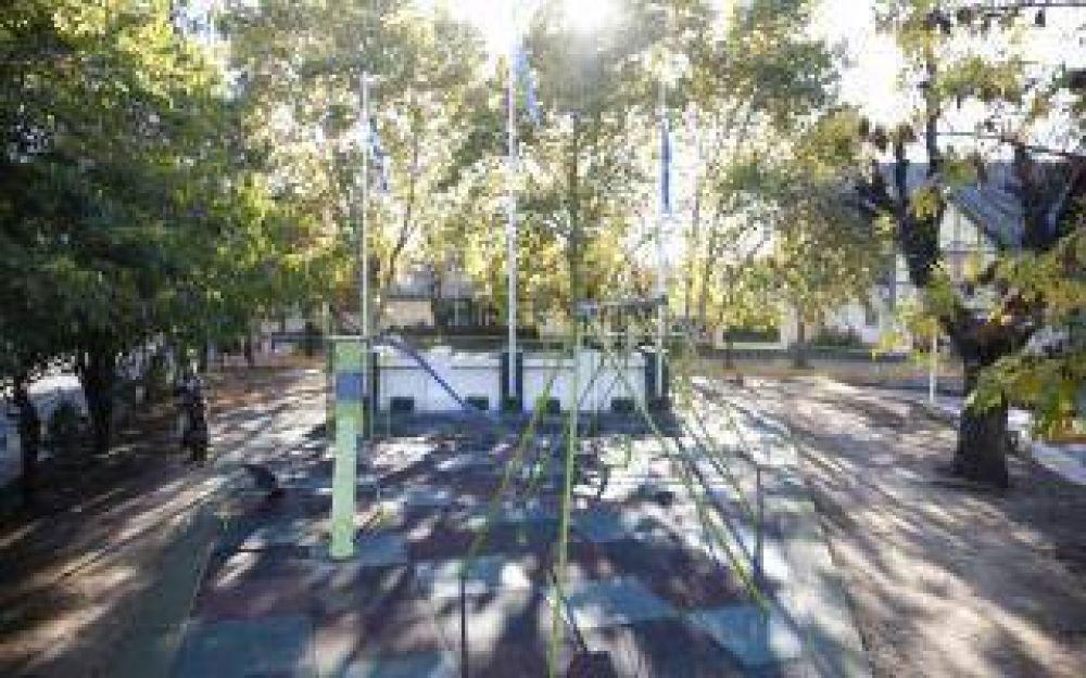 Tres de Febrero: Puesta en marcha de una renovada plaza en Ciudad Jardín