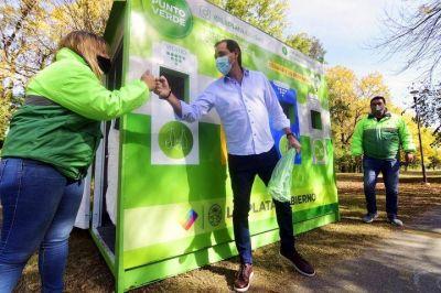 El Municipio inauguró un nuevo punto fijo de reciclaje en Villa Castells