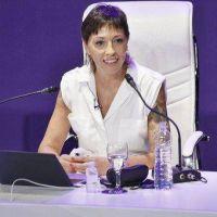 La Intendenta presentó proyecto para prolongar la eximición del pago de tasa municipal a más de mil comercios y suma a natatorios y espacios
