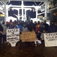 """La flota pesquera nacional va a un paro por el """"trato inhumano"""" que recibe buque marplatense en el sur"""