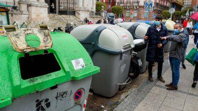 El PSOE solicita contenedores para recoger materia orgánica y reducir a la mitad la basura urbana no aprovechada
