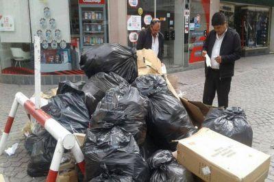 Iniciativa de Córdoba para clasificar los residuos por colores y formas