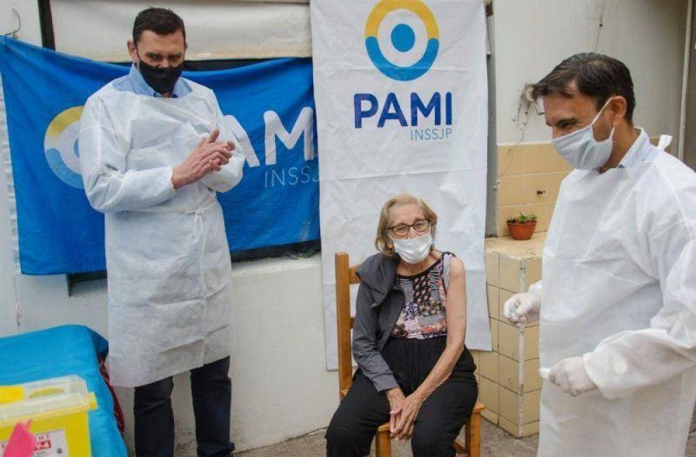 PAMI vacunó en 51 hogares y ahora avanza en instituciones para personas con discapacidad