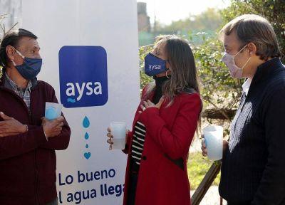 Almirante Brown: Malena Galmarini y Mariano Cascallares habilitaron una red de agua potable para 2500 familias