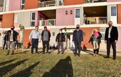 Ferraresi entregó viviendas en Ituzaingó