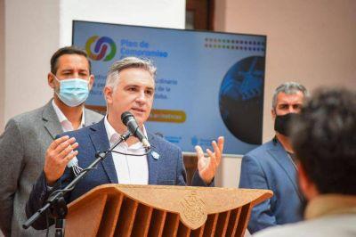 """El intendente Llaryora sigue sin vacunarse: """"Lo hará cuando corresponda"""""""