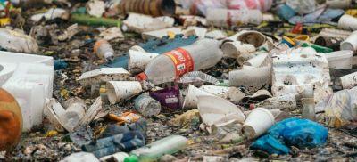 Petición de Greenpeace: Coca-Cola, Nestlé y otros están reduciendo drásticamente el uso de botellas de plástico