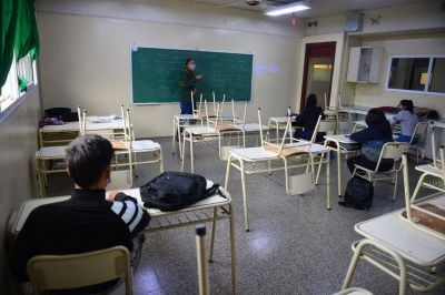 """UEPC pidió suspender las clases presenciales en Córdoba: """"La realidad va a darnos una cachetada"""""""