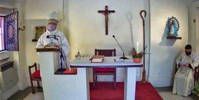 """El obispo Tissera dijo que los enfermeros cobran """"sueldos miserables"""""""