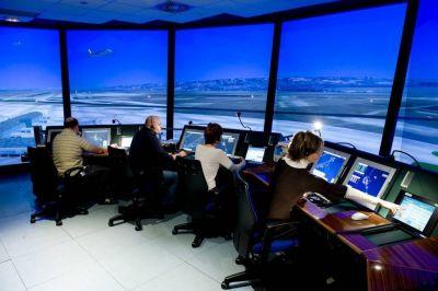 Controladores aéreos anunciaron que van a acatar la conciliación obligatoria pero sostienen el reclamo