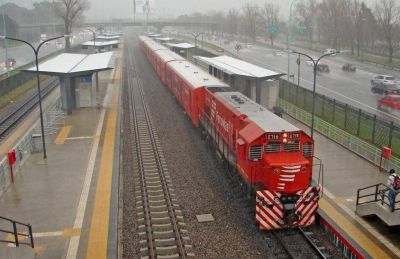 Ferroviarios se despegan de la pauta oficial y firman aumento del 37,5%, más bono de 15 mil pesos y premio Covid