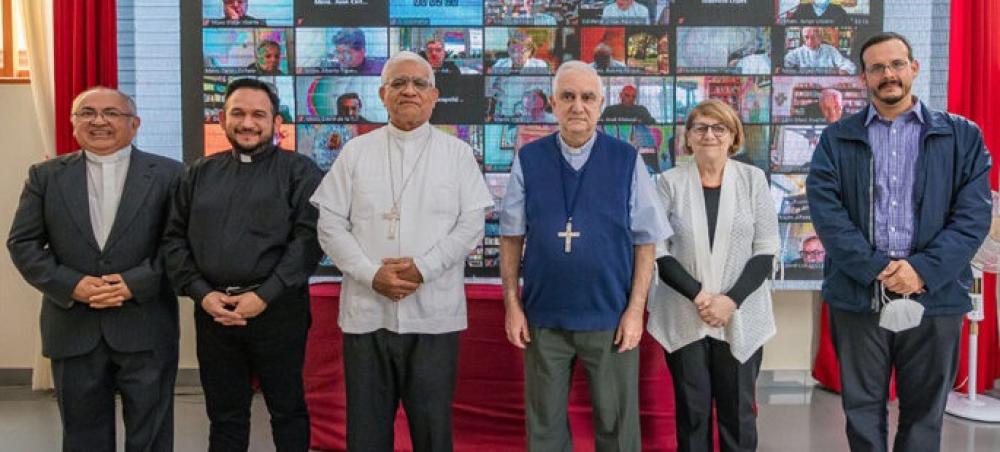 El CELAM pide al Papa