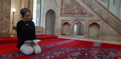 Mujeres musulmanas reviven la tradición de recitación del Corán en público