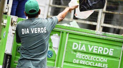 Recolección de residuos reciclables y montículos