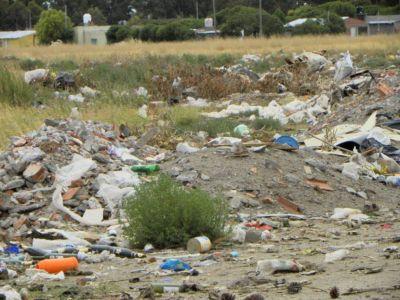 Buscan fondos para resolver el problema del basural a cielo abierto de San Blas