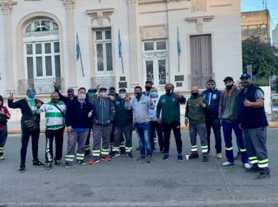 «El Municipio y la empresa Trébol hicieron un esfuerzo económico y los trabajadores ya cobramos todo»