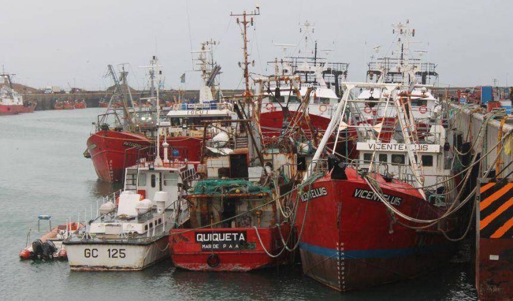 Vacunación a pescadores: Provincia se cortó sola y se abrió la polémica con otros rubros