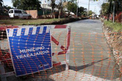 Avanzan las obras de asfalto en barrios y localidades de Brown