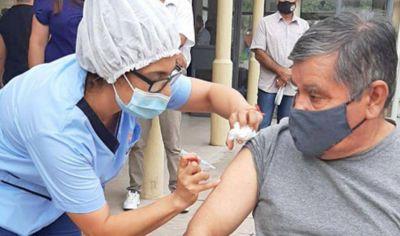 Santiago recibe 27.450 nuevas vacunas para avanzar en el plan de inmunización contra el Covid-19