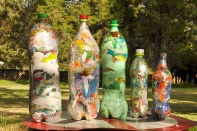 'Botellas de Amor': Morón inicia la campaña de reciclaje de plásticos de un solo uso
