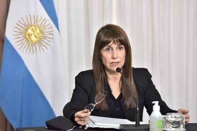 """Ministra Velázquez: """"Nueve días de restricciones no alcanzan"""""""