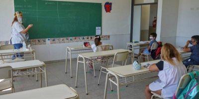 """Docentes bonaerenses lanzan campaña para destacar que las escuelas """"siguen abiertas"""""""
