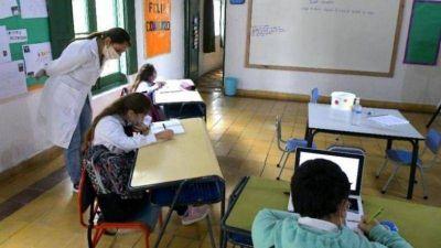 Las cifras que alertan en Educación y los tres escenarios que manejan para las clases en San Juan