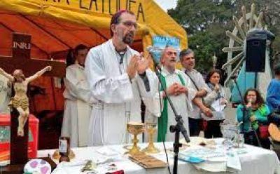 Mons. Carrara llamó a dejarse interpelar por la riqueza de la figura de Francisco