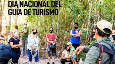 Esteban Avilés saludó a a los guías de turismo en su día
