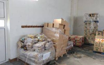 Escándalo en el Consejo Escolar de Azul: Encontraron alimentos sin entregar en un galpón
