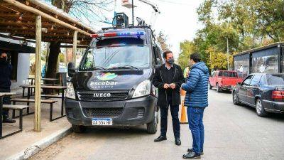 Sujarchuk supervisó la instalación de cámaras de seguridad en Ingeniero Maschwitz