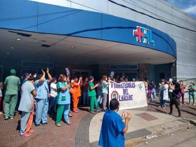 Amenazan con renunciar más de 50 médicos del principal hospital de San Miguel