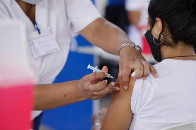 Tucuman esta muy relegada en comparacion con Salta en la cantidad de maestros vacunados