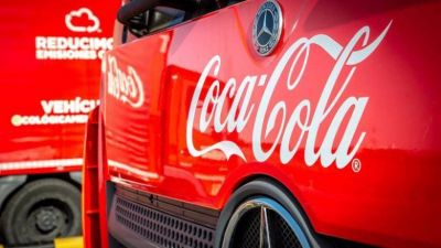 JP Morgan eleva a Coca-Cola Europacific Partners tras la integración de Amatil