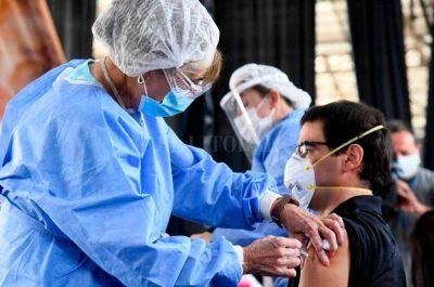 En Santa Fe se empezará a vacunar a menores de 60 sin comorbilidades