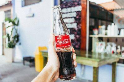 Trucos secretos para limpiar la casa con Coca-Cola