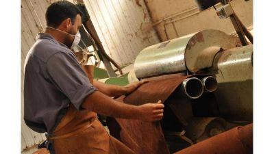 Sindicatos reclaman que se suspenda la exportación de cuero crudo