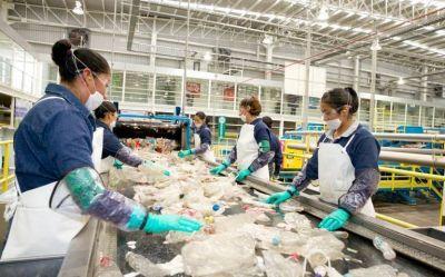 La Industria Mexicana de Coca-Cola se compromete con el reciclaje en Baja California