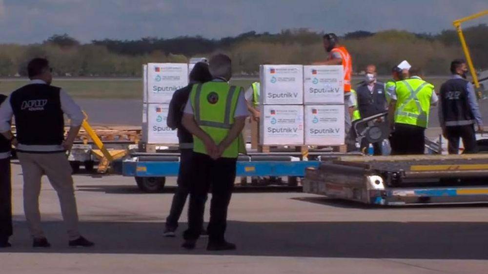 Los aduaneros paran en todo el país en reclamo de urgente vacunación del personal