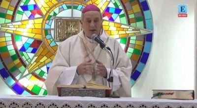 Mons. Lugones: El misterio de la Eucaristía es el misterio de la fe