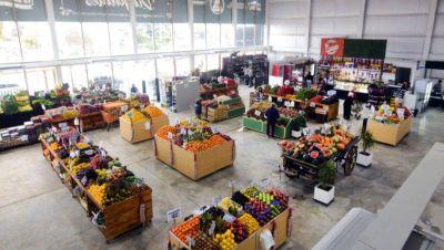 Alentando las inversiones locales, Garro recorrió el nuevo Mercado Diagonales