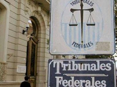 La Justicia Federal se declaró competente para juzgar la causa de los contratos de la Legislatura