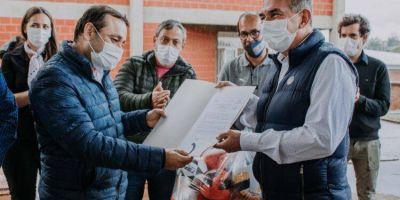 Herrera Ahuad inauguró las obras de refacción del polideportivo en Itaembe Miní