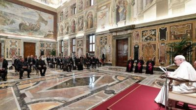 El Papa carga de nuevo contra la rigidez: «Detrás hay un grave problema»