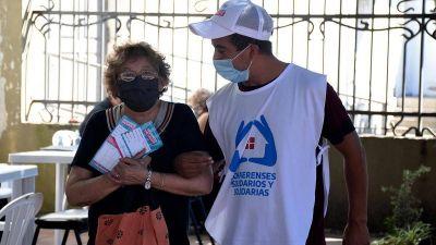 Ya vacunan sin turno a los mayores de 70 en todos los municipios del sur del conurbano