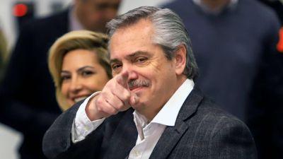 Alberto felicitó a Pedro Castillo por ser elegido presidente de Perú, aunque sigue el recuento de votos