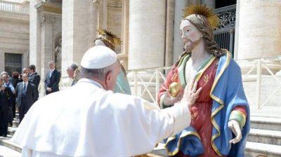 Francisco: miremos con confianza al Sagrado Corazón de Jesús